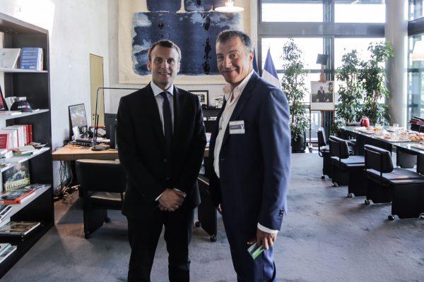 Με τον Emmanuel Macron