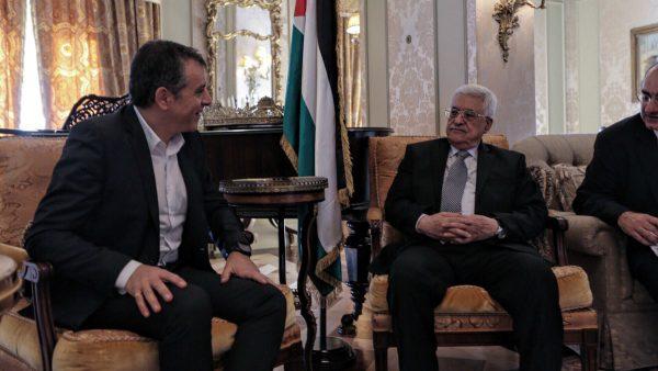Με τον Mahmoud Abbas